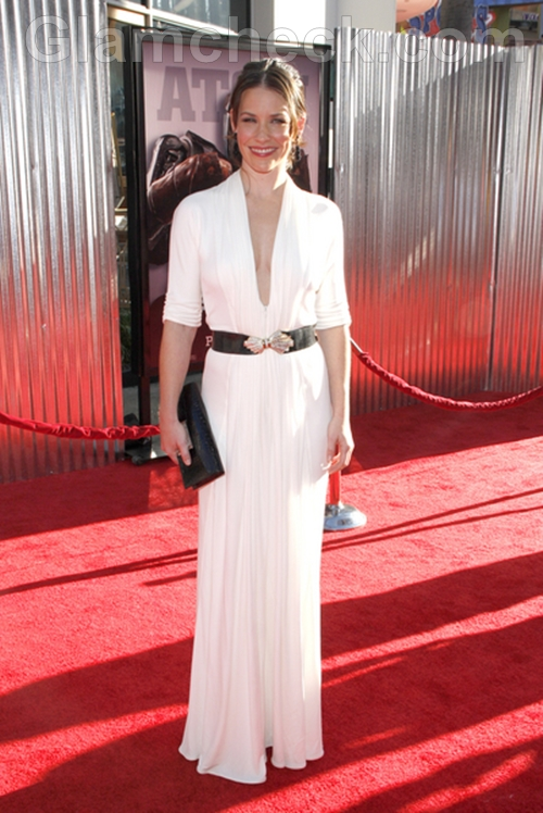 Evangeline-Lilly-White-gown-Real-Steel-Premiere