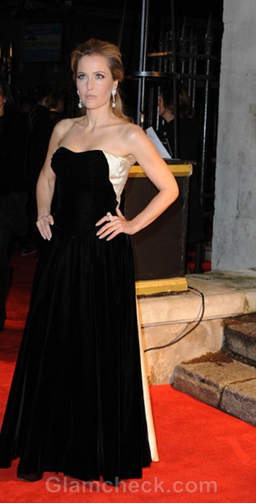 Gillian-Anderson-Black-White-Gown-BFI-London-Film-Festival