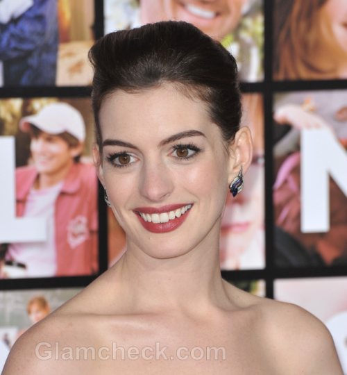 Hathaway to Co-Star in Les Miserables