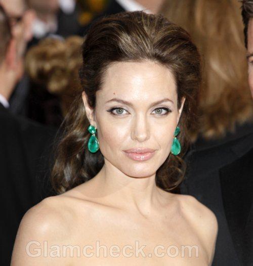 Humanitarian Jolie Receives UN Honor
