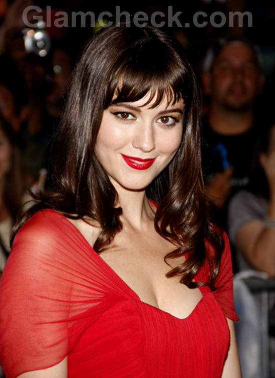 Mary-Elizabeth-Winstead-Red-Gown-The-ThingPremiere