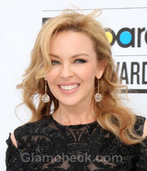Minogue To Receive Honorary Degree