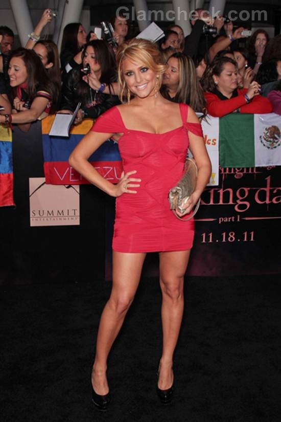 Cassie-Scerbo-Worst-Dressed-Celebrities-The-Twilight-Saga-Breaking-Premiere