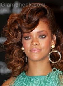 Rihanna-Hospitalised-Forced-to-Cancel-Concert