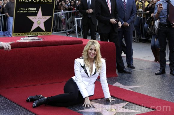 Shakira Sharply Dressed at Unveiling of Star on Walk of Fame
