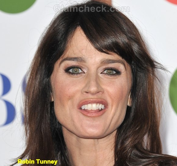 Robin Tunney Funny Celebrity Photos 2011