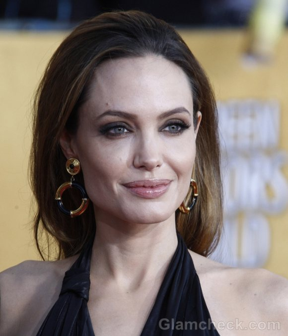 Angelina Jolie Sultry in Black At 2012 Screen Actors Guild Awards