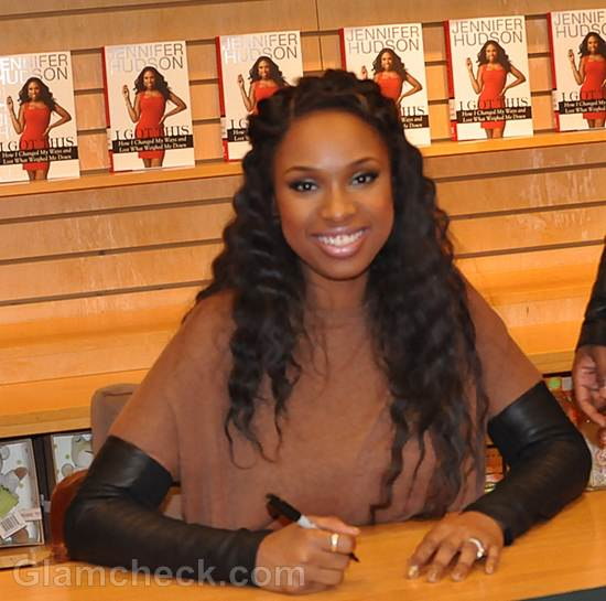 Jennifer Hudson Continues Book-signing In Figure-hugging Black Outfit