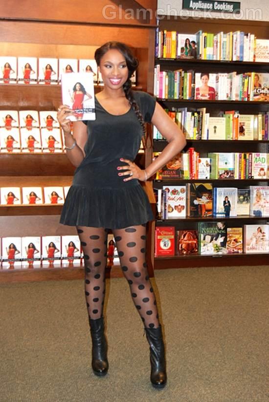 Jennifer Hudson Shows Off Slim Legs in Mini Dress at Book Signing