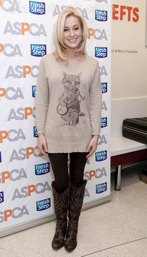 Kellie Pickler Launches Cat Sweater
