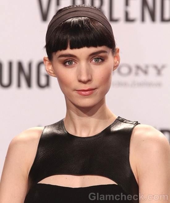 Rooney Mara Classy in Black at Germany Premiere of Dragon Tattoo