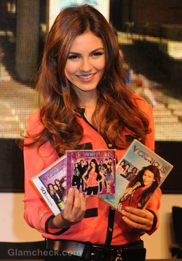 Victoria Justice Smart in Orange Top Victorious DVD Signing