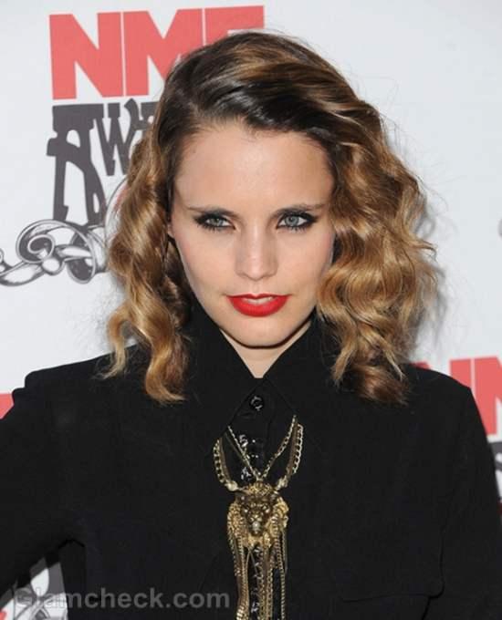 Anna Calvi NME Awards