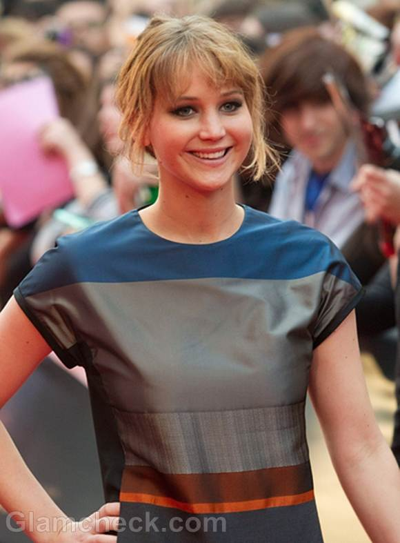 Jennifer-Lawrence-Charms-in-T-Shirt-Dress