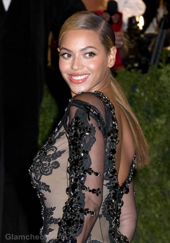 Beyonce at MET Gala 2012