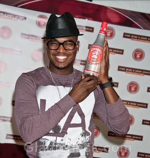 Ne-Yo Signs Wine Bottles in Philly