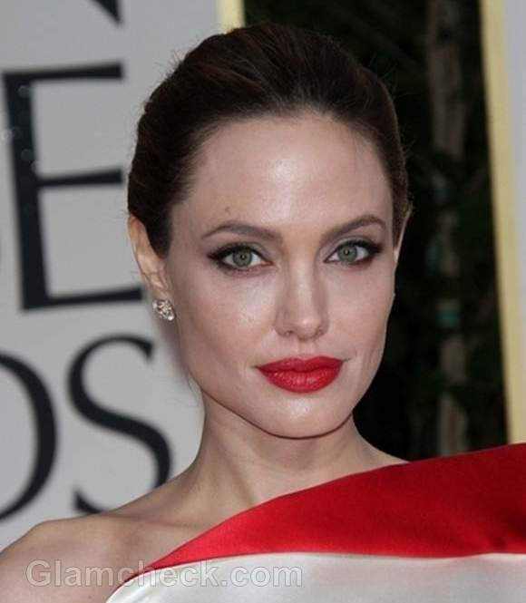 Angelina Jolie Makes Donation for World Refugee Day