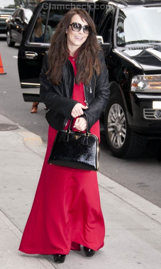 Noomi Rapace pink maxi skirt style
