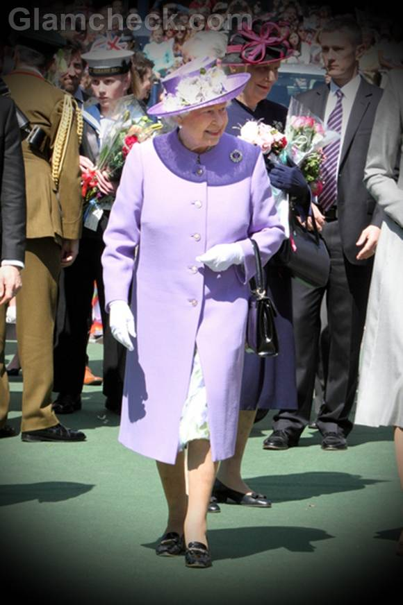 Queen Elizabeth II lavender outfit hitchin