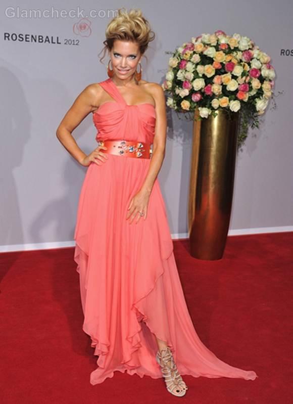 Sylvie van der Vaart peach gown rosenball 2012