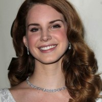 HM Signs on Lana Del Ray