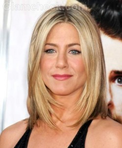 Jennifer Aniston Theroux Engaged