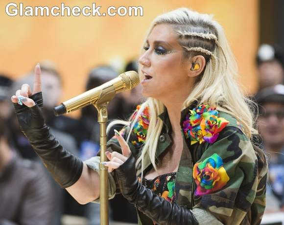 Kesha performs on Today Show 2012