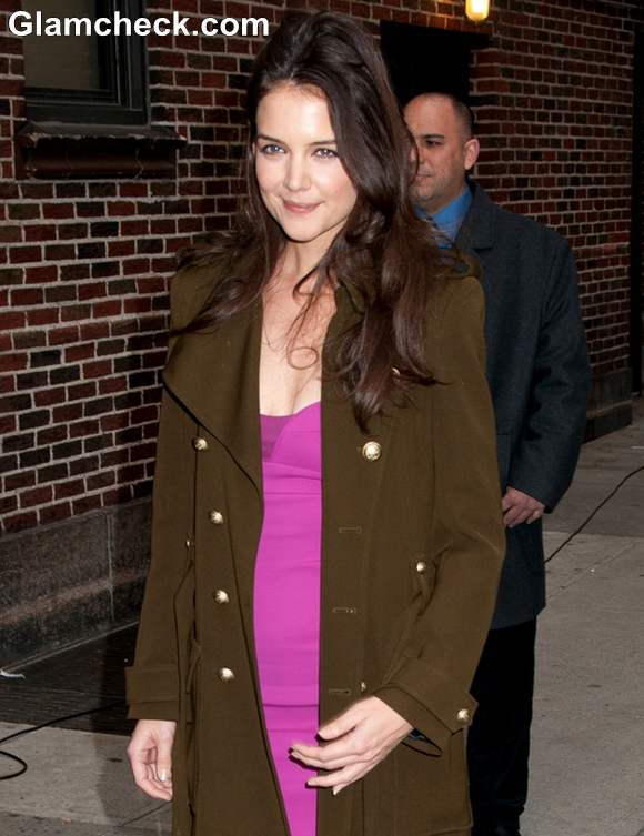 Katie Holmes In Narcisco Rodriguez Sheath Dress At David Lettermans Show