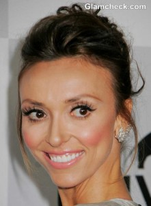 Giuliana Rancic Lovely in Silver-Grey Dress at Golden Globes 2013 Afterparty