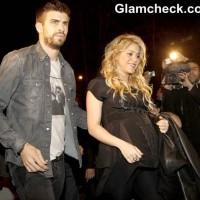 Pregnant Shakira Attends Release of Dads Book Al Viento Al Azar