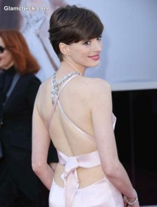 The Angel Wears Prada: Anne Hathaway Pretty in Pink at 2013 Oscars