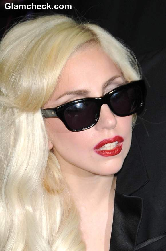 Lady Gaga Accused of going to Bed with Assistant