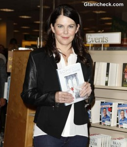 "Lauren Graham Goes Monochrome to Promote New Book ""Someday, Someday, Maybe"""