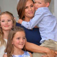Jennifer Garner with her kids
