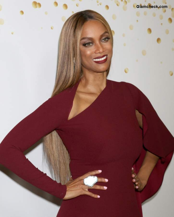 "Tyra Banks Ponytail Hairstyles: Tyra Banks Dons A Burgundy Gown At The ""AGT"" Live Show Red"