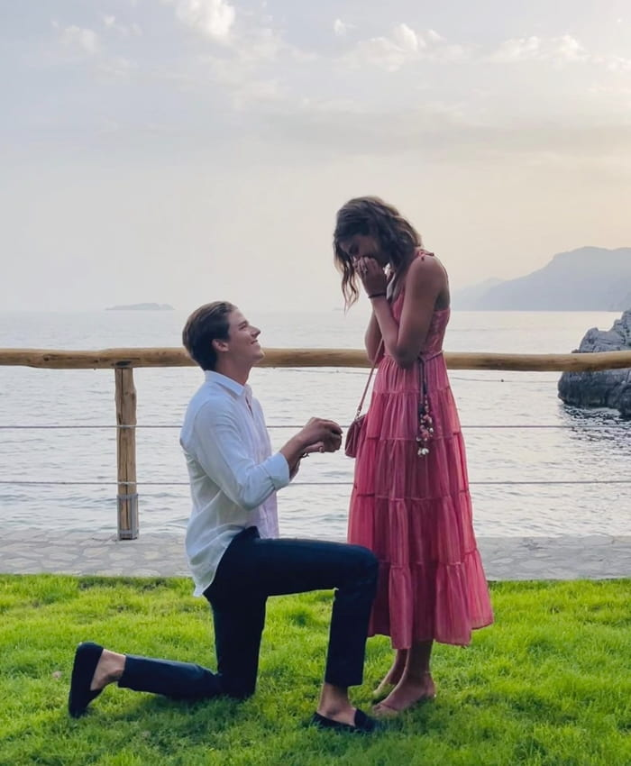 Taylor Hilland Daniel Fryer are Engaged !