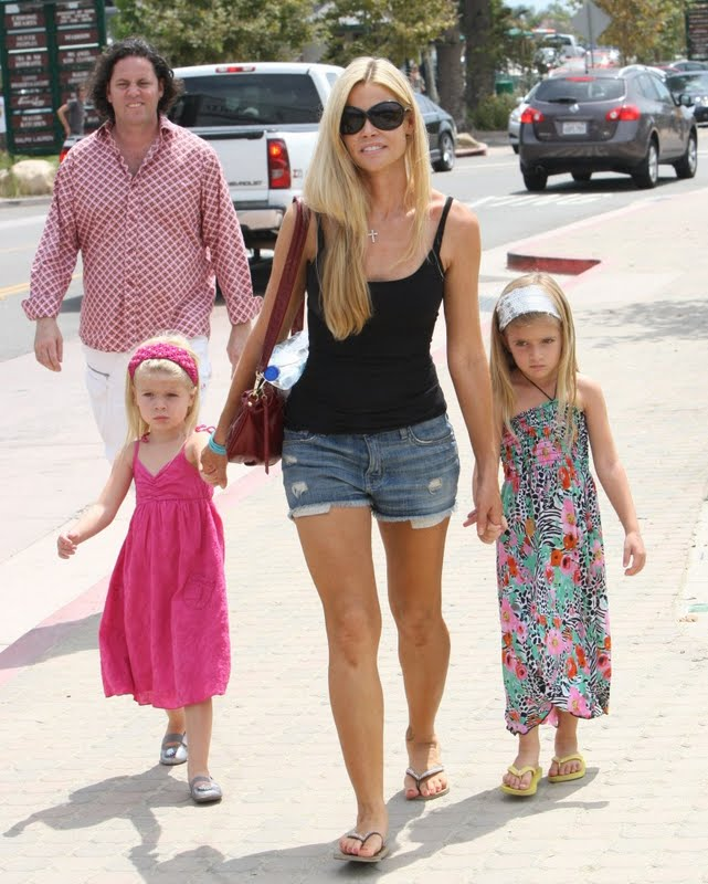 denise-richards-with-daughters