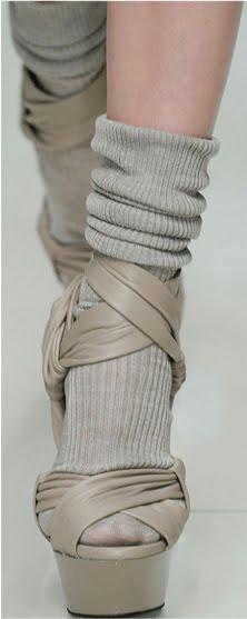 peep-toe-shoes