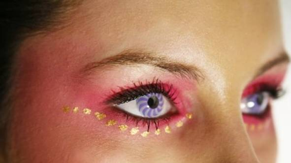 Colored contacts / special effects