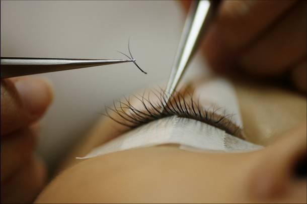 Eyelash extensions (4)