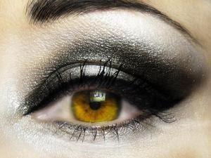 eye-makeup-3
