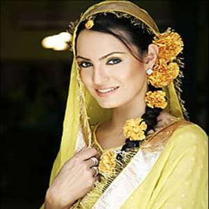 Indian bridal hairstyles flowers
