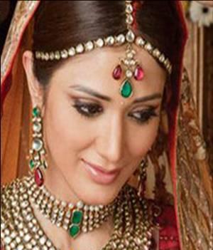 Indian bridal maang tika