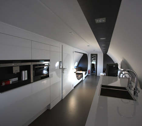 Recycled airplane hotel suites- eco trends (2)