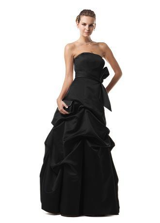 The longer Black Dress: