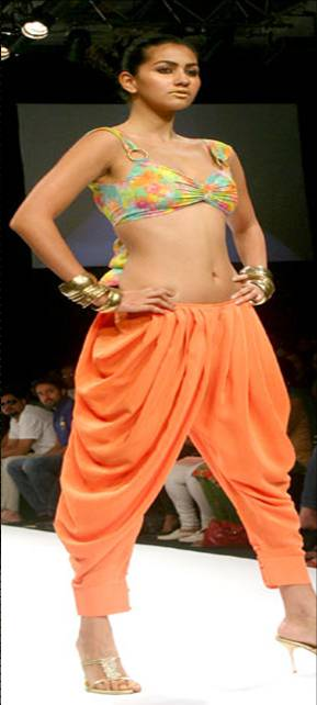 Dhoti pants for hourglass body shape