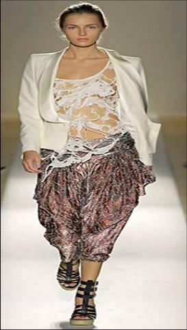 Dhoti pants for pear body shape