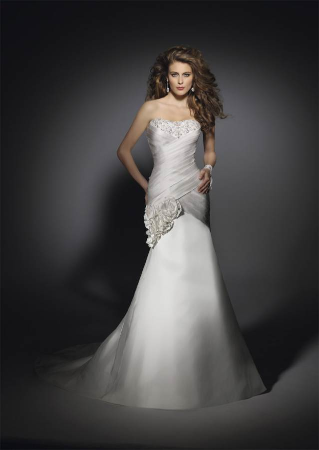 Wedding Dress Hourglass Figure