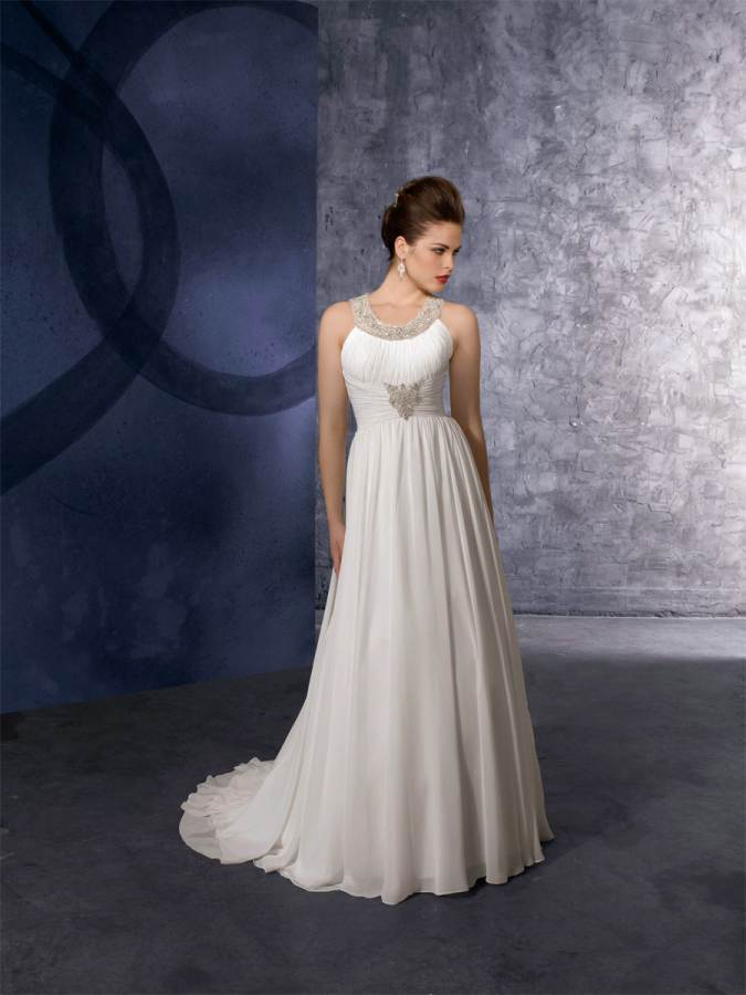 Brides and bridesmaid dresses gowns and jeweleries for Wedding dresses for pear shaped women
