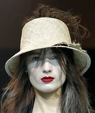 Brim hats spring 2011 Yohji Mamamoto